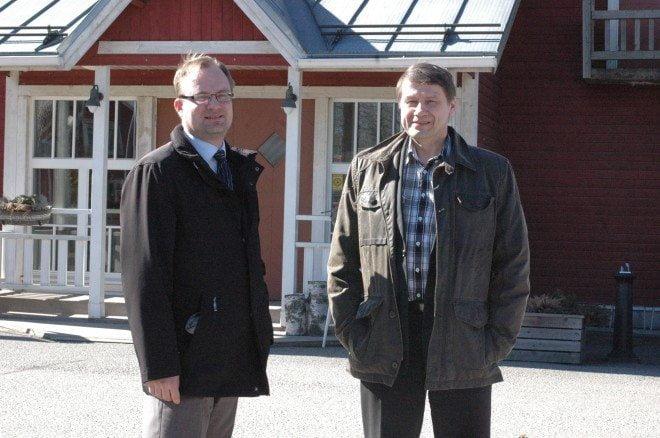Sastamalan kaupunginjohtaja Jarkko Malmberg (vas.) ja Huittisten kaupunginjohtaja Jyrki Peltomaa ovat avoimia kaikelle järkevälle yhteistyölle.