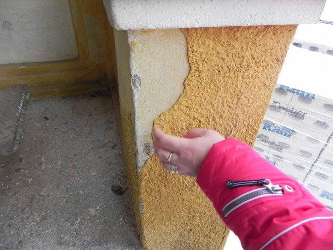 Pappilan värikin vaihtuu: betonirappaus poistetaan, ja alkuperäinen vaaleankeltainen rappaus otetaan esiin.