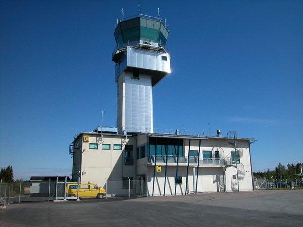 Tampere-Pirkkalan lennonjohto