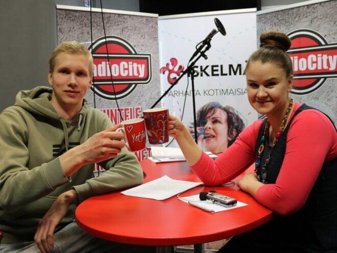 Mikko Karjarinta, Riina Peltonen