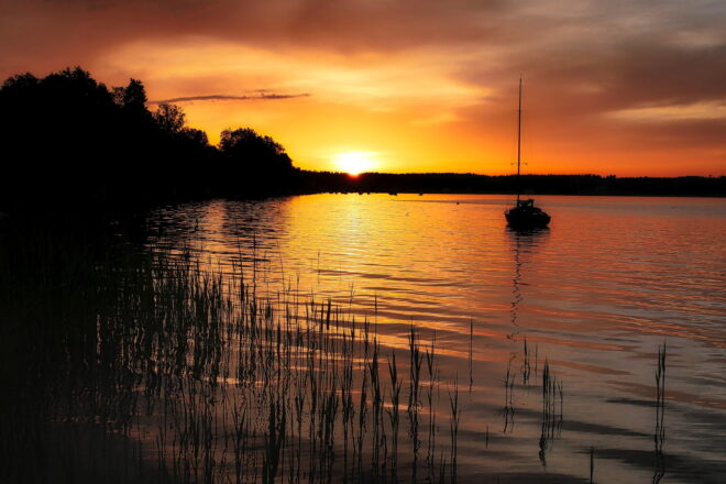 Kesä, ilta, järvi