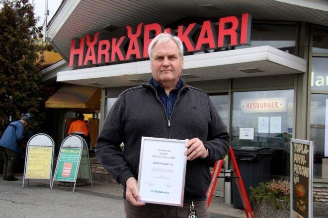 """Timo Tuomolalle Härkäpakarin saama palkinto on osoitus siitä, että yrityksessä on tehty asioita oikein. """"Matkailu on ollut alusta asti toimintamme lähtökohta, joten tuntuu hyvältä saada siitä kiitosta."""""""